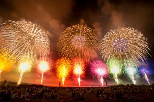 酒田花火ショー本日開催!およそ12,000発の花火が酒田の夜空を美しく彩ります!