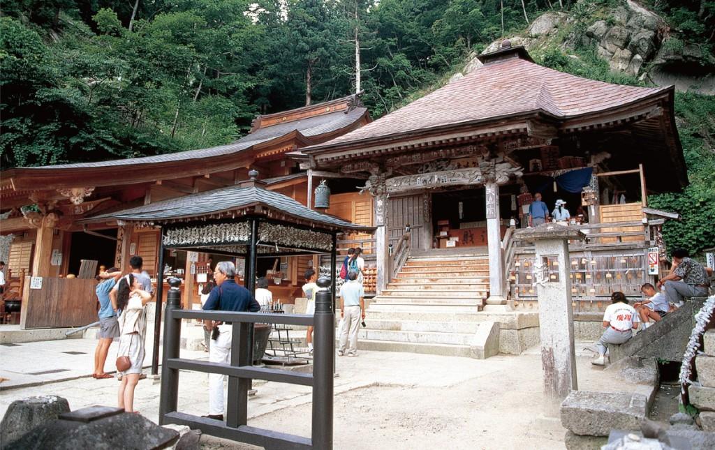 宝珠山立石寺(山寺)